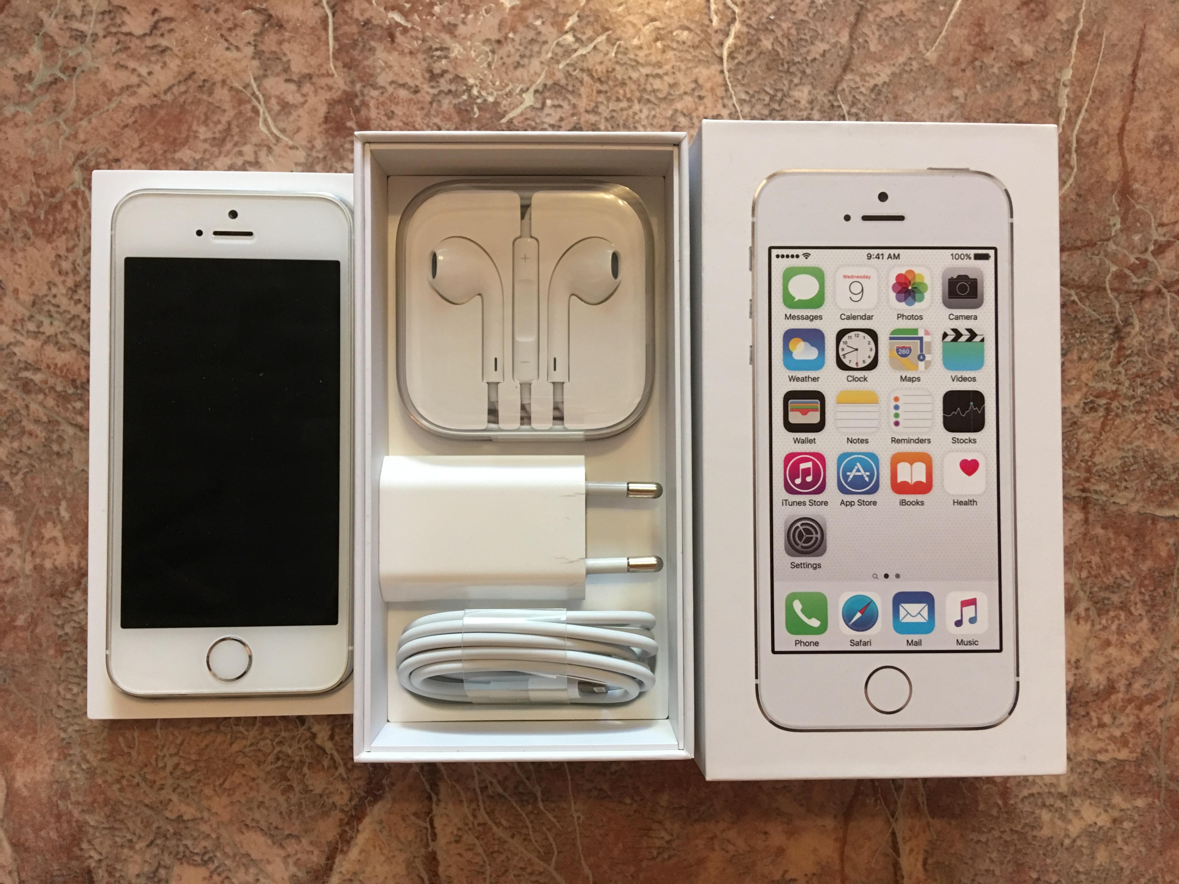Продам iPhone 5S 16Gb серебристый